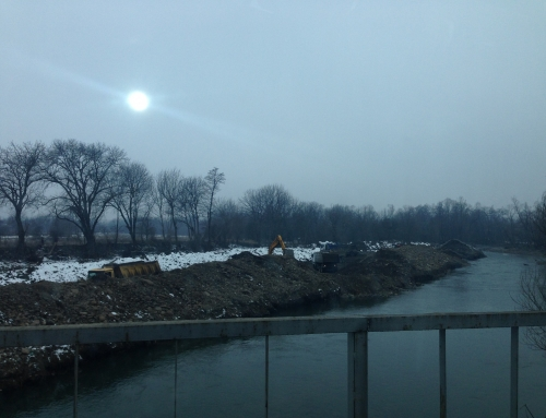 Почистване на коритото на река Огоста